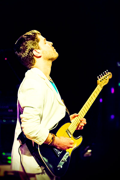 pete on guitar